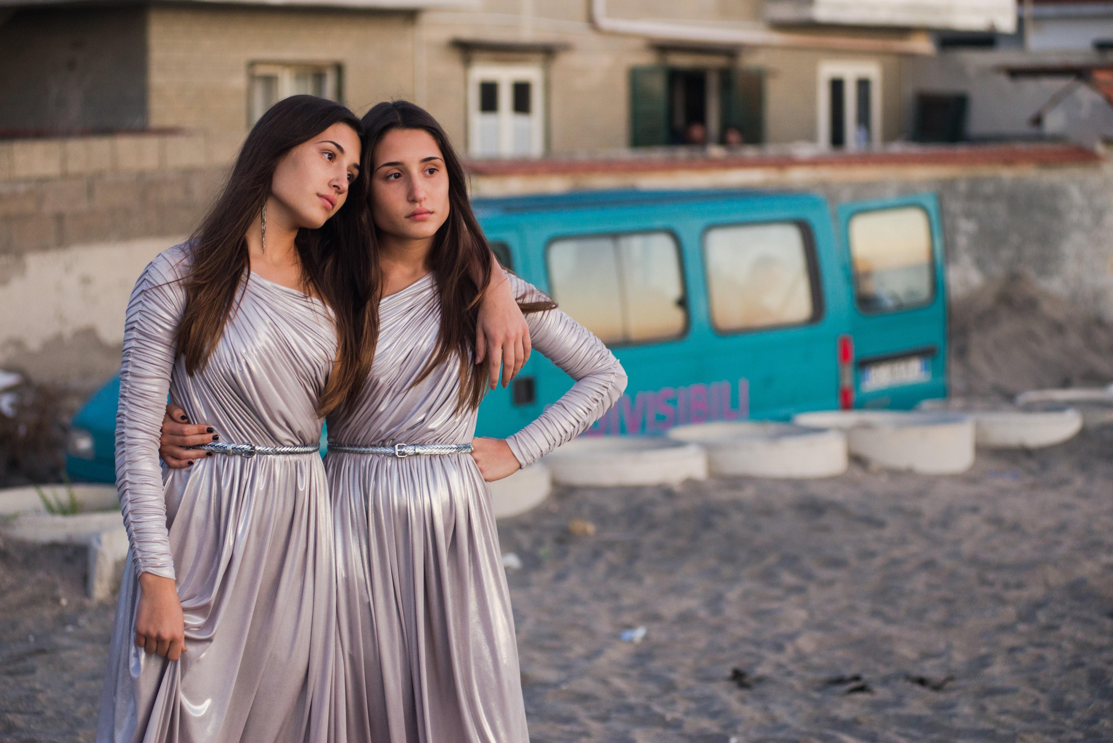 Indivisibili di Edoardo De Angelis: videointervista a Marianna e Angela Fontana