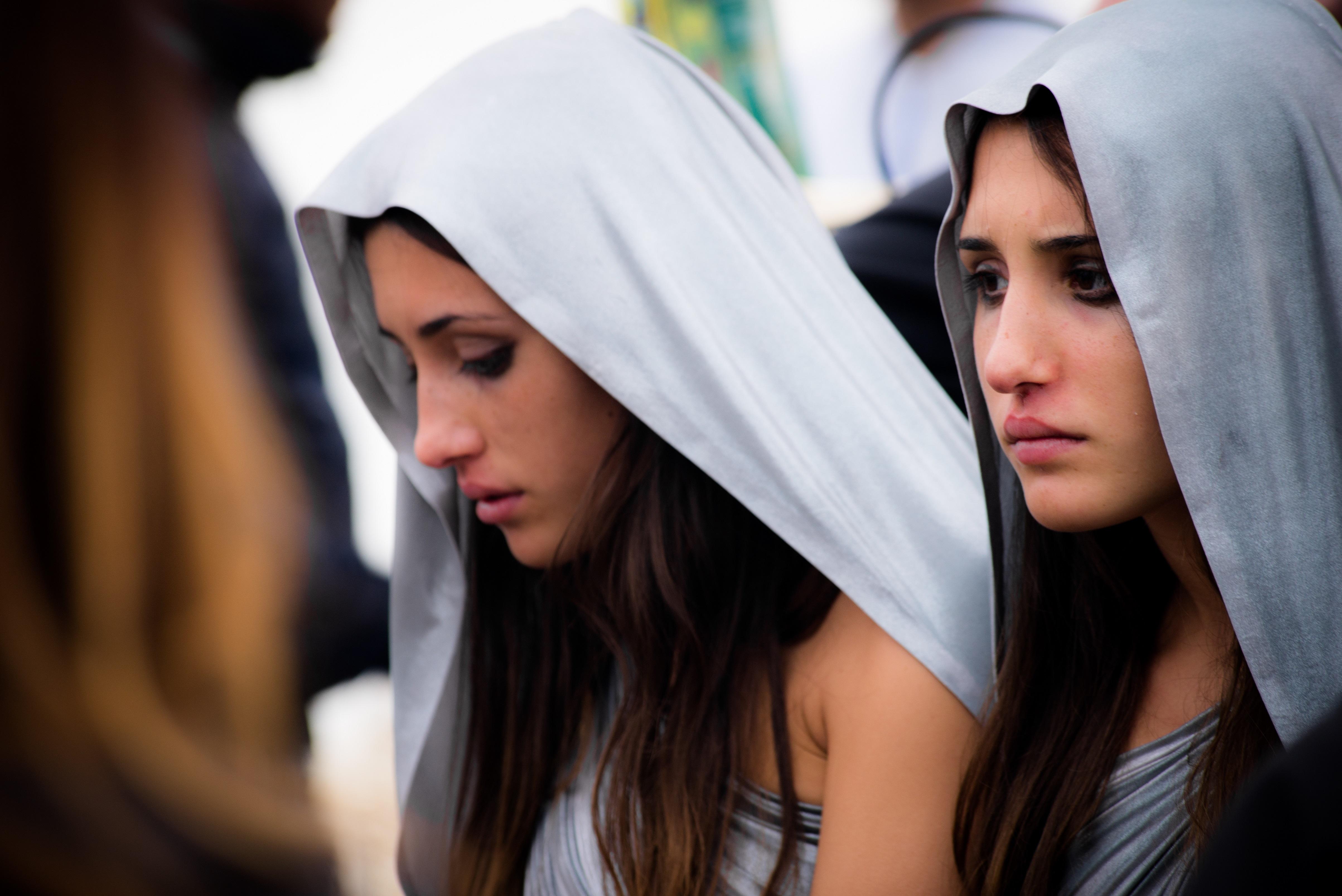 Indivisibili, Edoardo De Angelis e le gemelle presentano il film